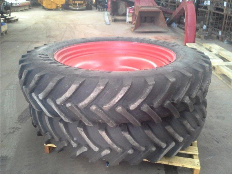 Alliance 380/105R50   320/90R42 Passer på Fendt 936